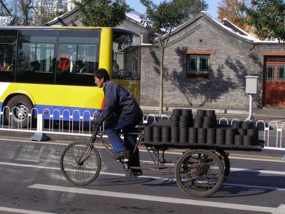 Peking, Kohlestaubbriketts