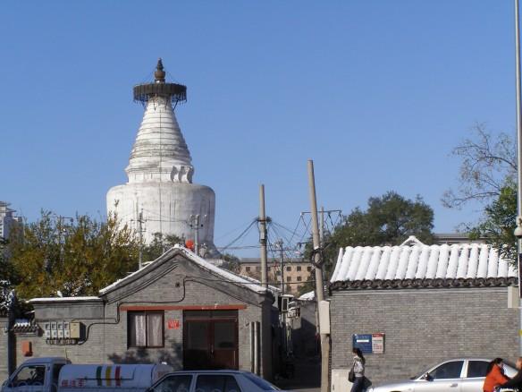 Der Tempel der Weißen Pagode liegt nicht weit vom Tempel der Monarchie
