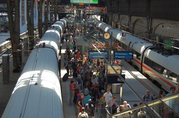 Pfingstsamstag auf dem Hamburger Hauptbahnhof