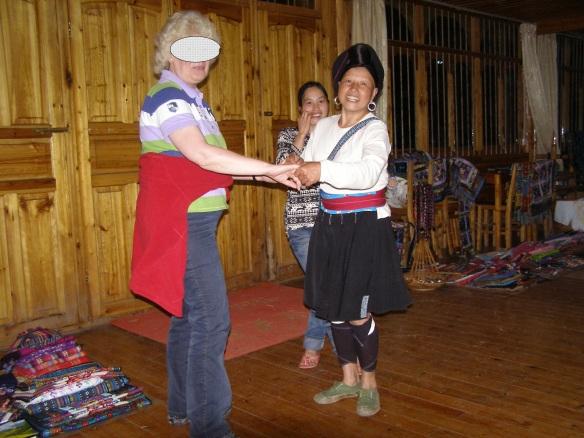Ein Tänzchen mit den Einheimischen ist in China fast überall möglich.