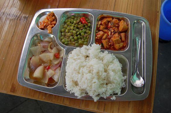 Ein einfaches Essen in einem Teehaus. Hier droht kein Reise-Durchfall