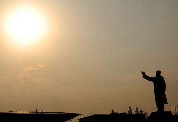 Chairman Mao Zedong still greeting the sun in Chengdu