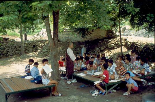 Sommerschule für kleine Buddhisten am Unju-Sa